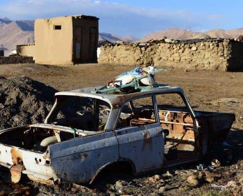 Ødelagt bil i Bulunkul