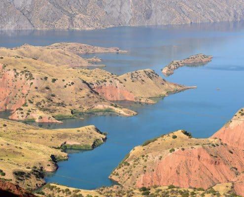 Storslåede bjerge på rejser til Tadsjikistan