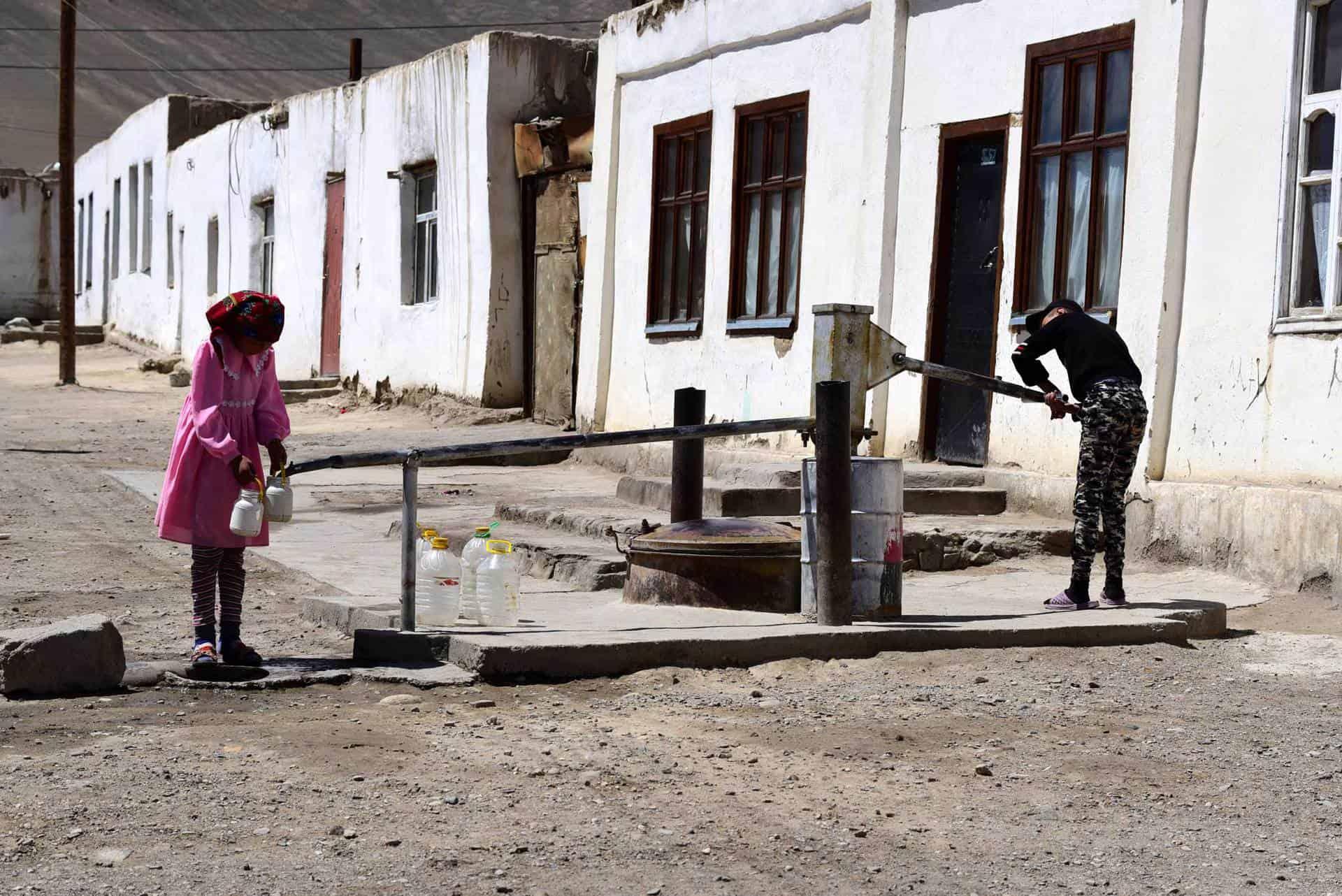 Murghab på roadtrip på Pamir Highway