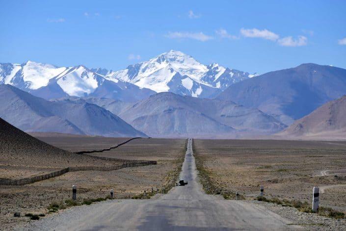 Storslåede bjerglandskab på Pamir Highway