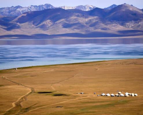Søer og bjerglandskab i Kirgisistan