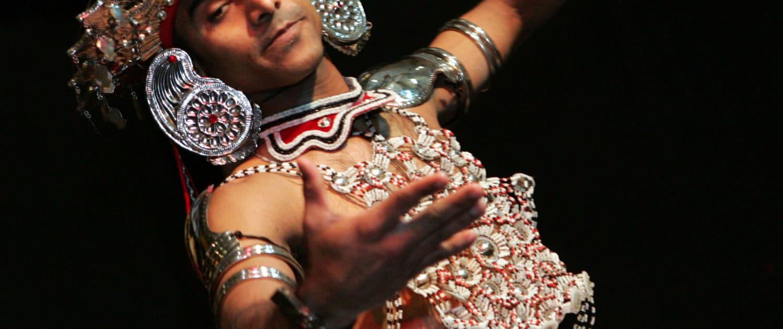 Mand danser Kandyan i Sri Lanka