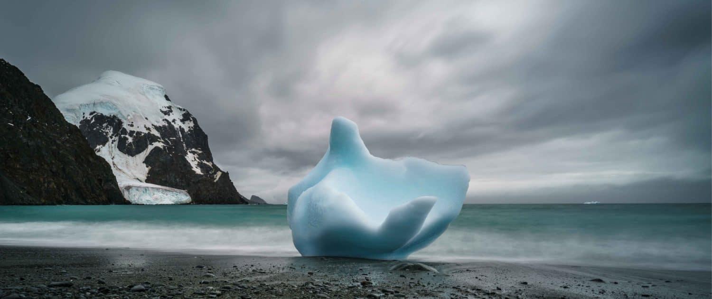 Naturens kunstværk af isblokke