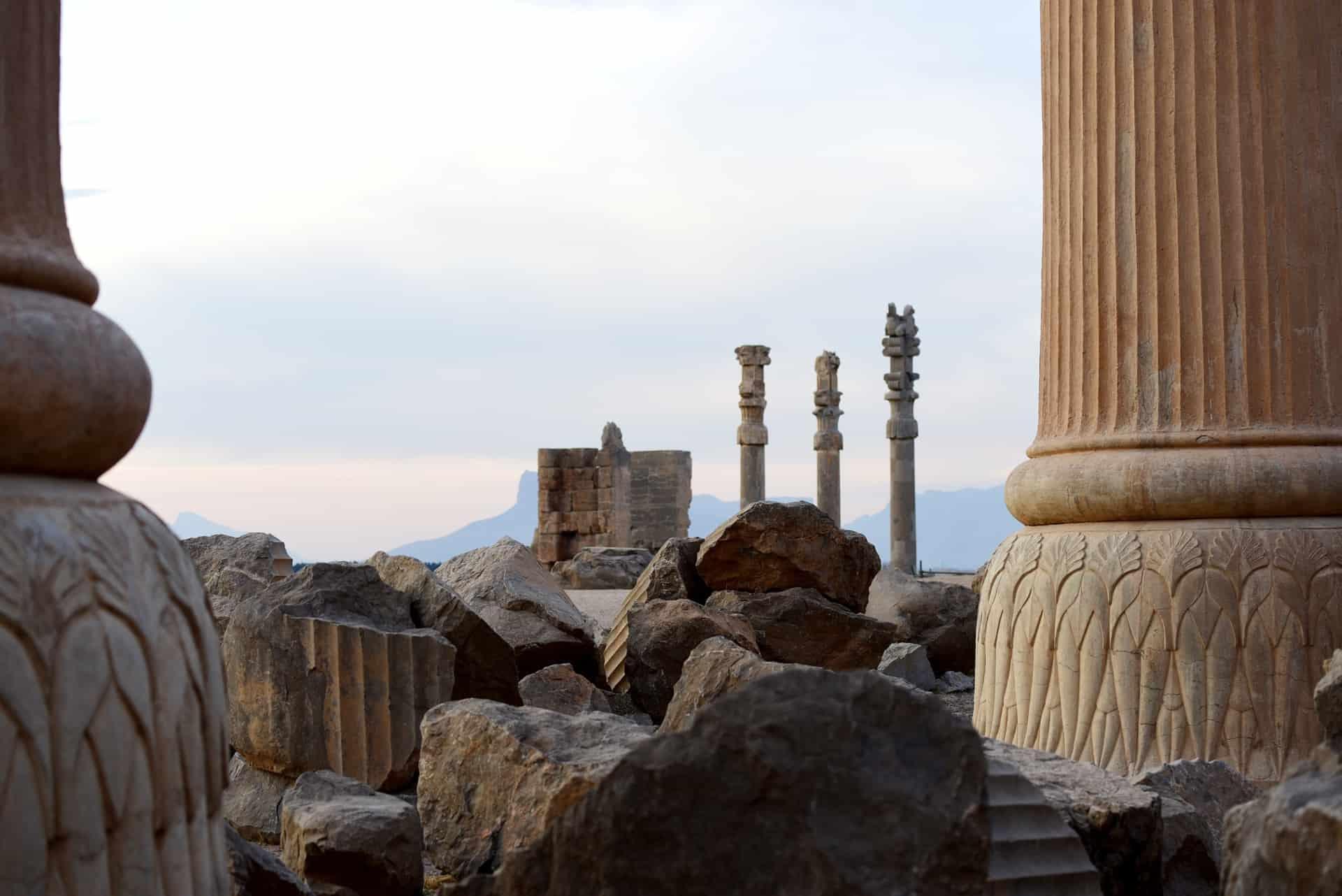Skulpturer på Persepolis på rejser til Iran