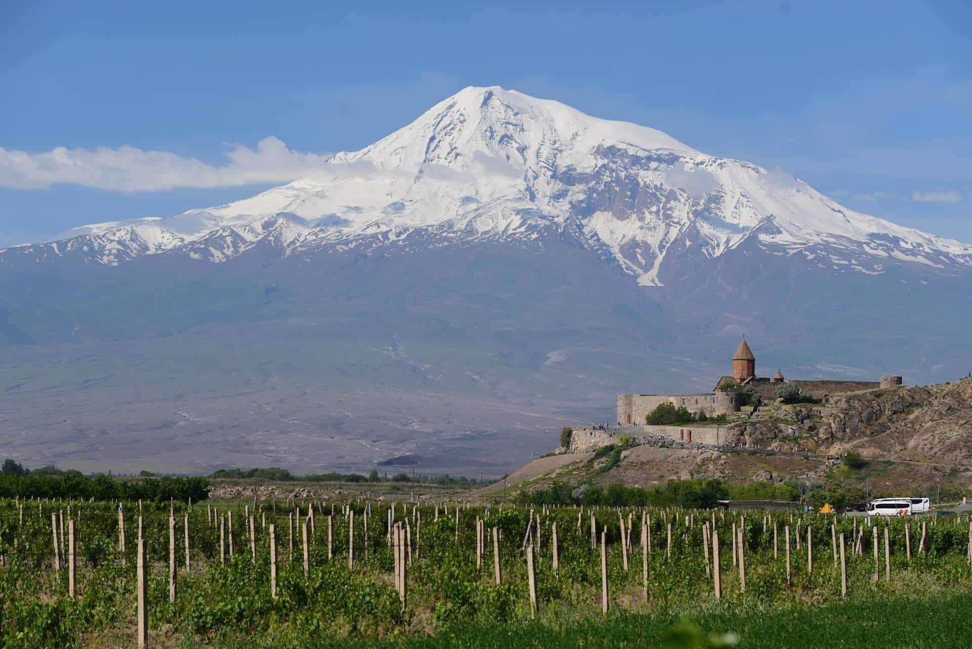 Khor Virap med Ararat i baggrunden