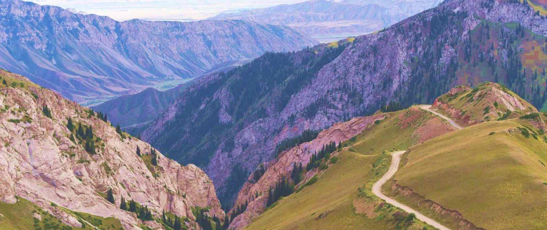 Bjerglandskab på rejser til kirgisistan
