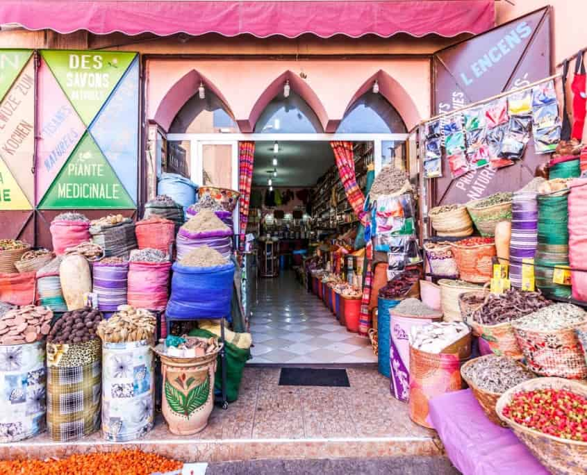 Marked i den lyserøde by Marrakech