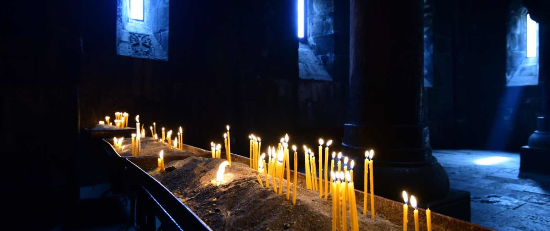stemningsfulde klosterrum i Armenien