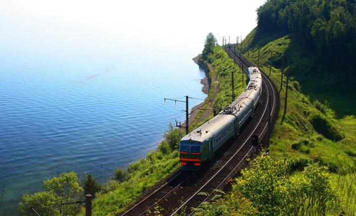 bajkalsøen på rejser med den transsibiriske jernbane