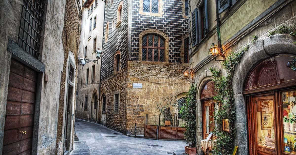Hyggelig gade i Firenze