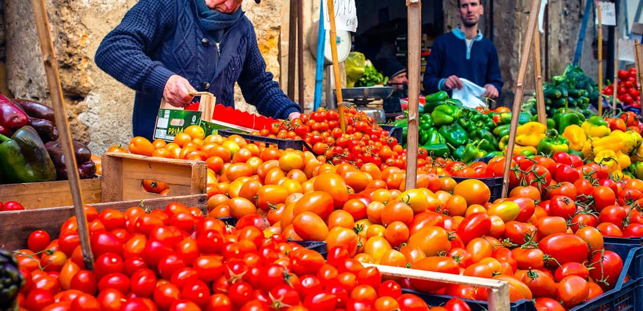 Ballaro marked på Sicilien