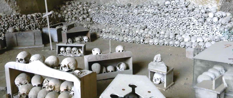Italien - Napoli - Cimitero delle Fontanelle