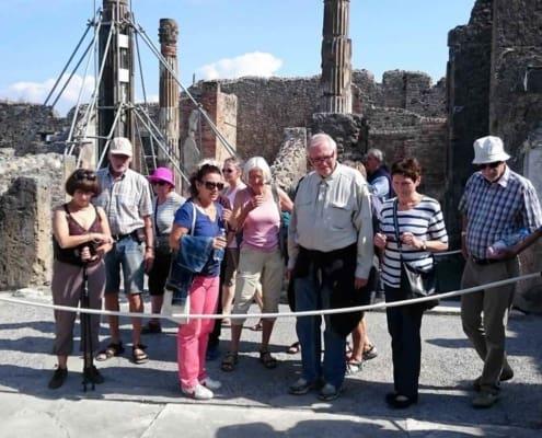 Rundvisning i Pompeji med lokalguiden.
