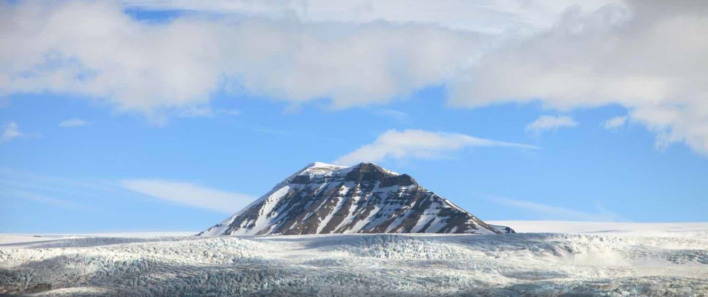 Isbjerg i Svalbard