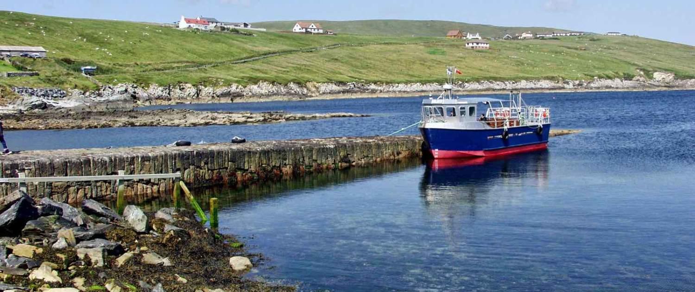 Ved kysten på Shetlandsøerne