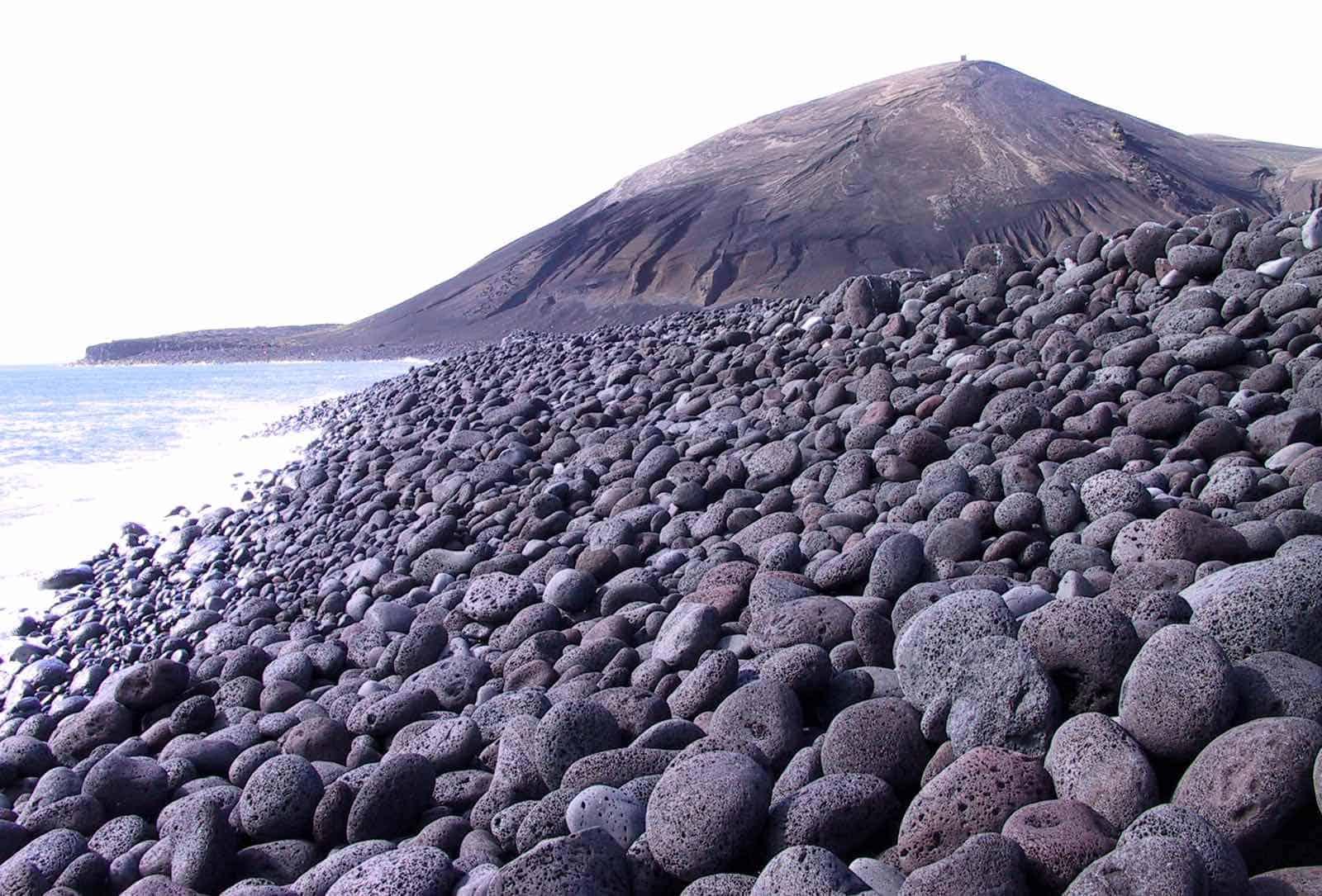 Lavaklipper på Island