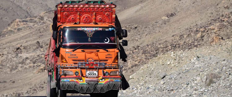 Klassisk lastbil i Pakistan