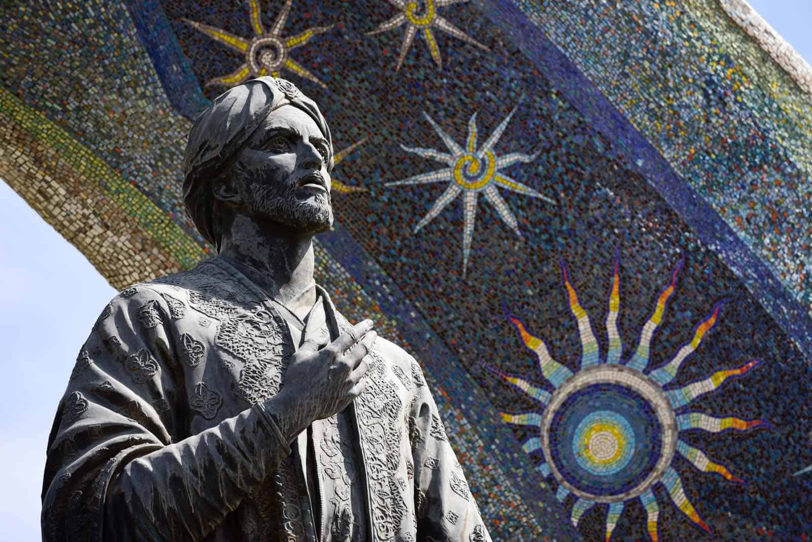 Statue af poeten Rudaki i Dushanbe